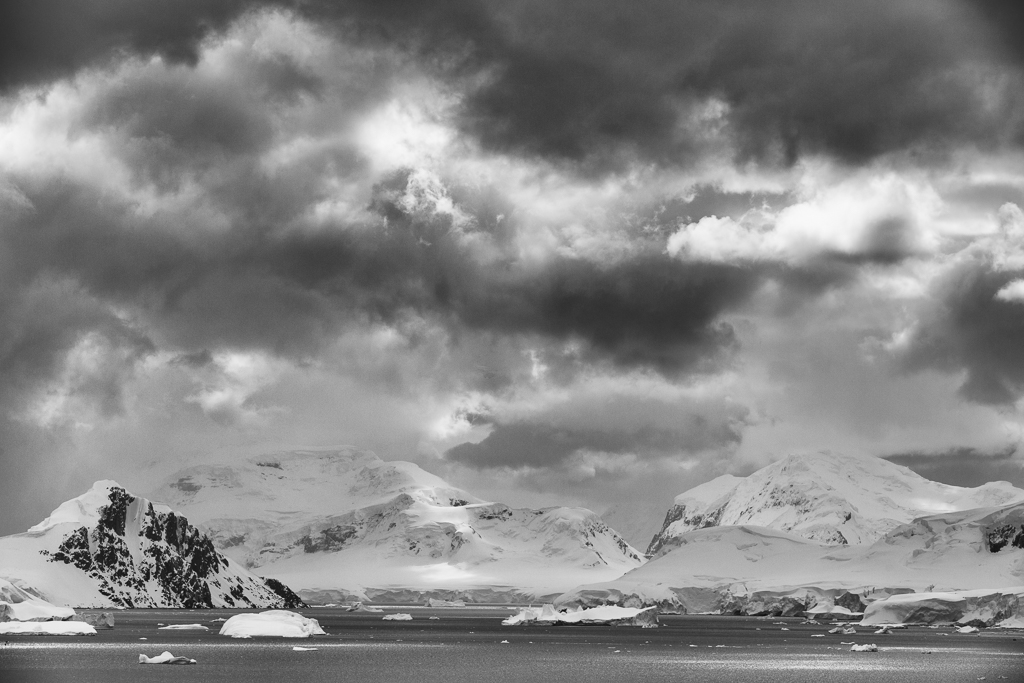 Nature picture:  / Antarctica in zwart-wit / Antarctica in black and white